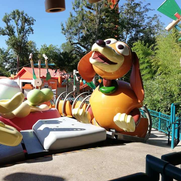 Slinky Dog Spin Ride